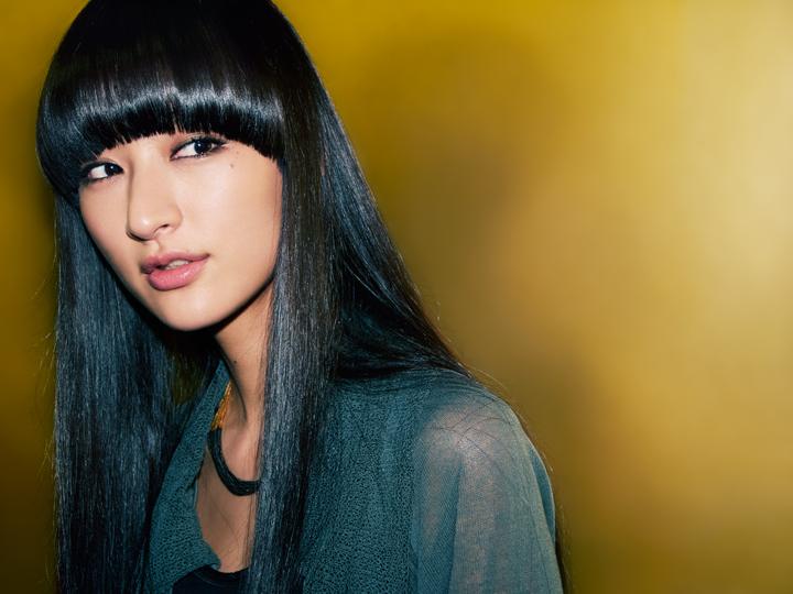 美しきドラマー、シシド・カフカがQetic初登場! 2ndシングル「music」に渦巻く混沌と、ミュージシャンとしての野望を語る feature130218_kavka_5-1