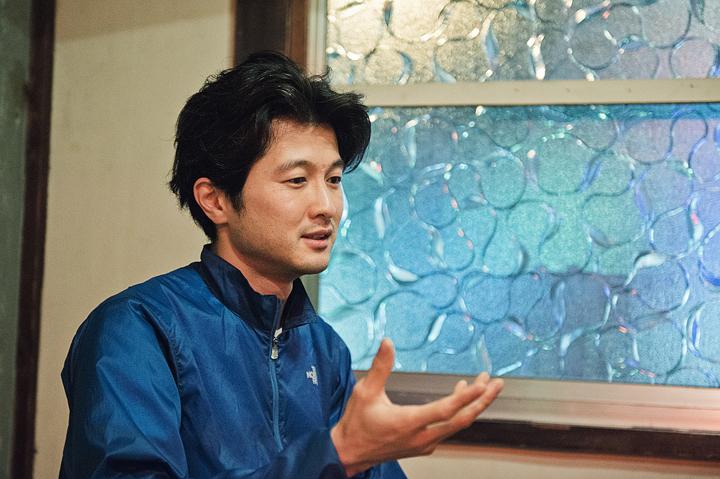 【インタビュー】AOKI takamasa、キャリア最高傑作ともいえる新作をリリース。シーンの新たな地平を切り開き続ける才人の現在の心境とは――? music130506_aoki_9-1