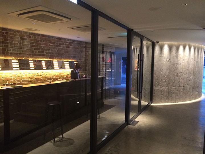 【泊まってみた】大阪に突如誕生したロックアートなコンセプト・ホテル「rock star hotel」を体験レポ!! Life120210_rock-star-hotel_02-1