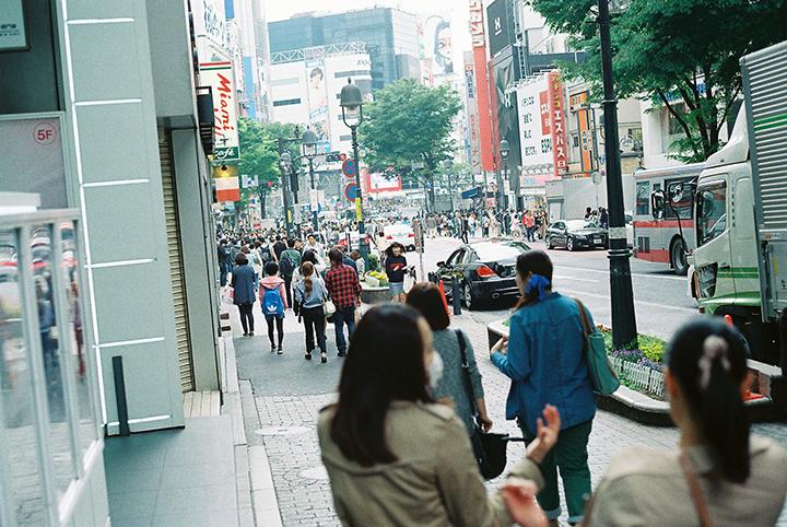 コウキシン女子の初体験 Vol.01 Harumi Yanagisawa:HOOTERS渋谷店 food140509_hooters_01