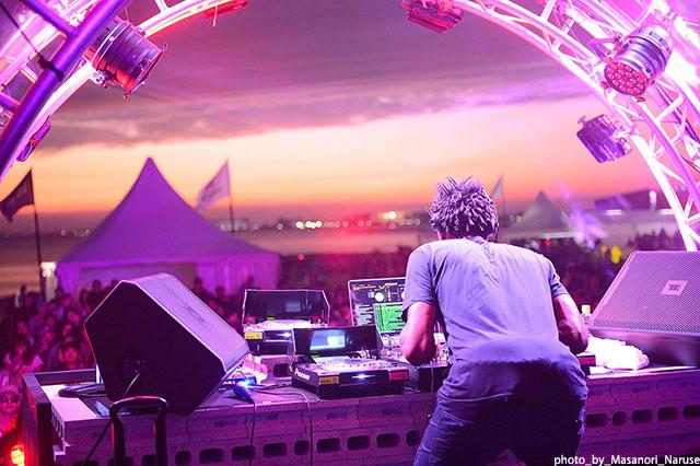 【レポート】HIP HOP/R&Bのレジェンドが集結した<StarFes.'14>、あの素晴らしい夕焼けと名演をもう一度! music140926_starfes_3