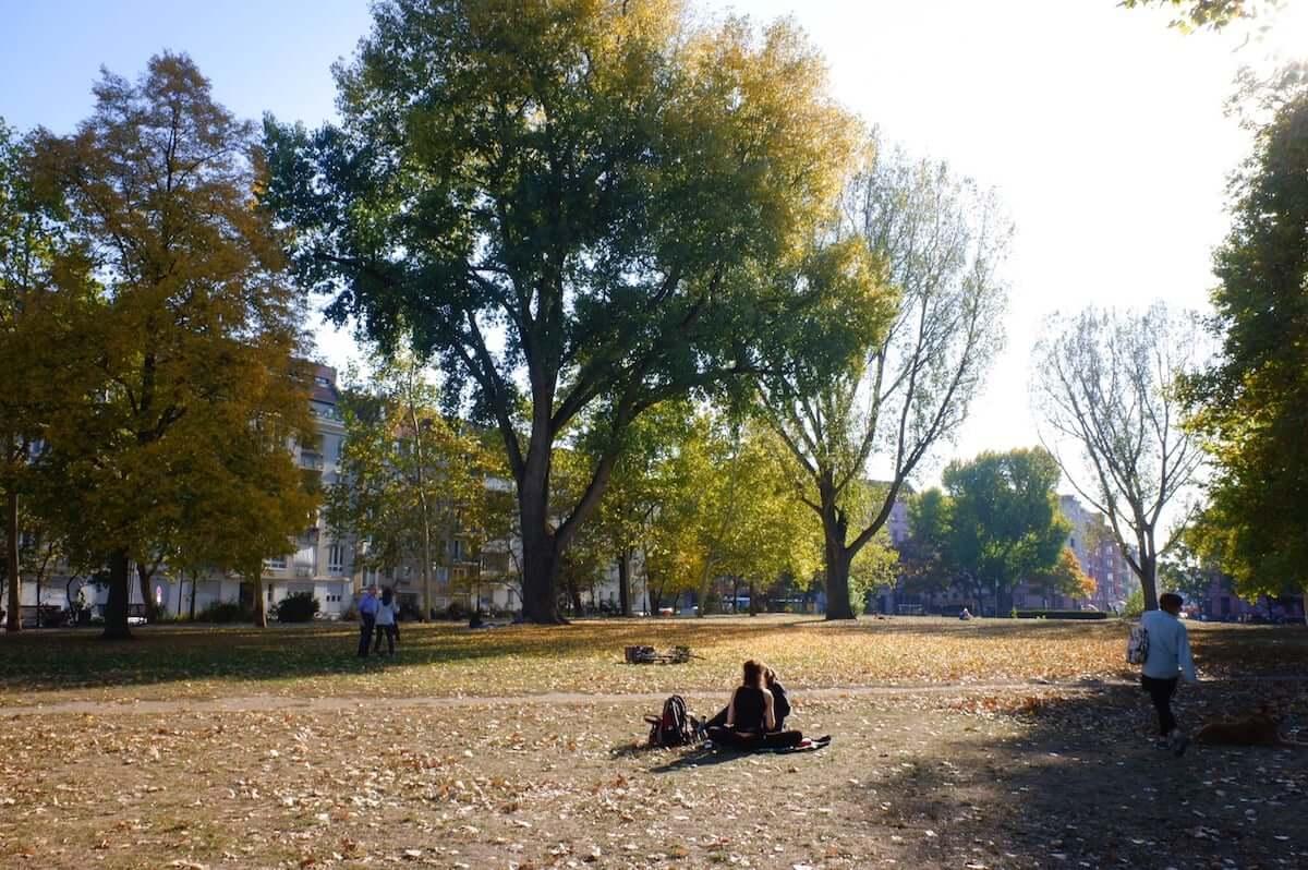 公園に突如現れたプラネタリウムでアートインスタレーション ベルリンの最新アート事情 km-post79__DSF1200-1200x798