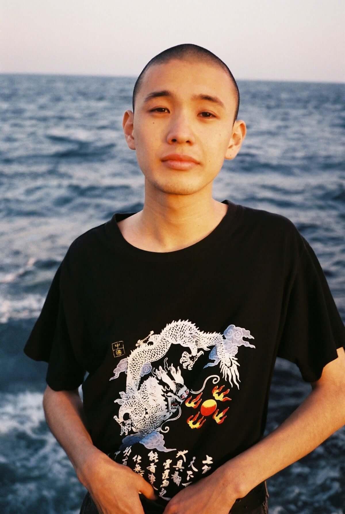 KID FRESINOによる3年振りとなる待望のフルアルバム「ài qíng」のジャケ写とトラックリストが公開 music181106-kidfresino-2-1200x1791
