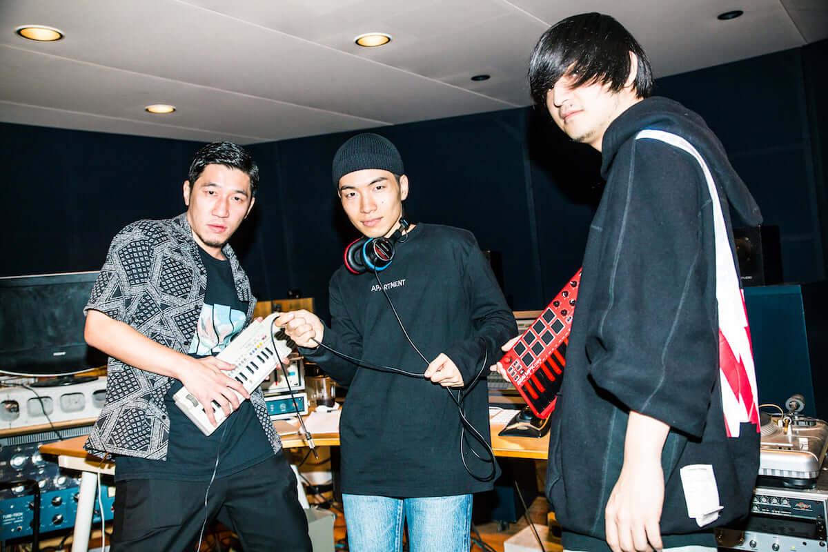 YOSA&TAAR密着企画|SIRUPとのコラボ曲「Fever ft. SIRUP」レコーディング現場に潜入 0Q0A90631-1200x800