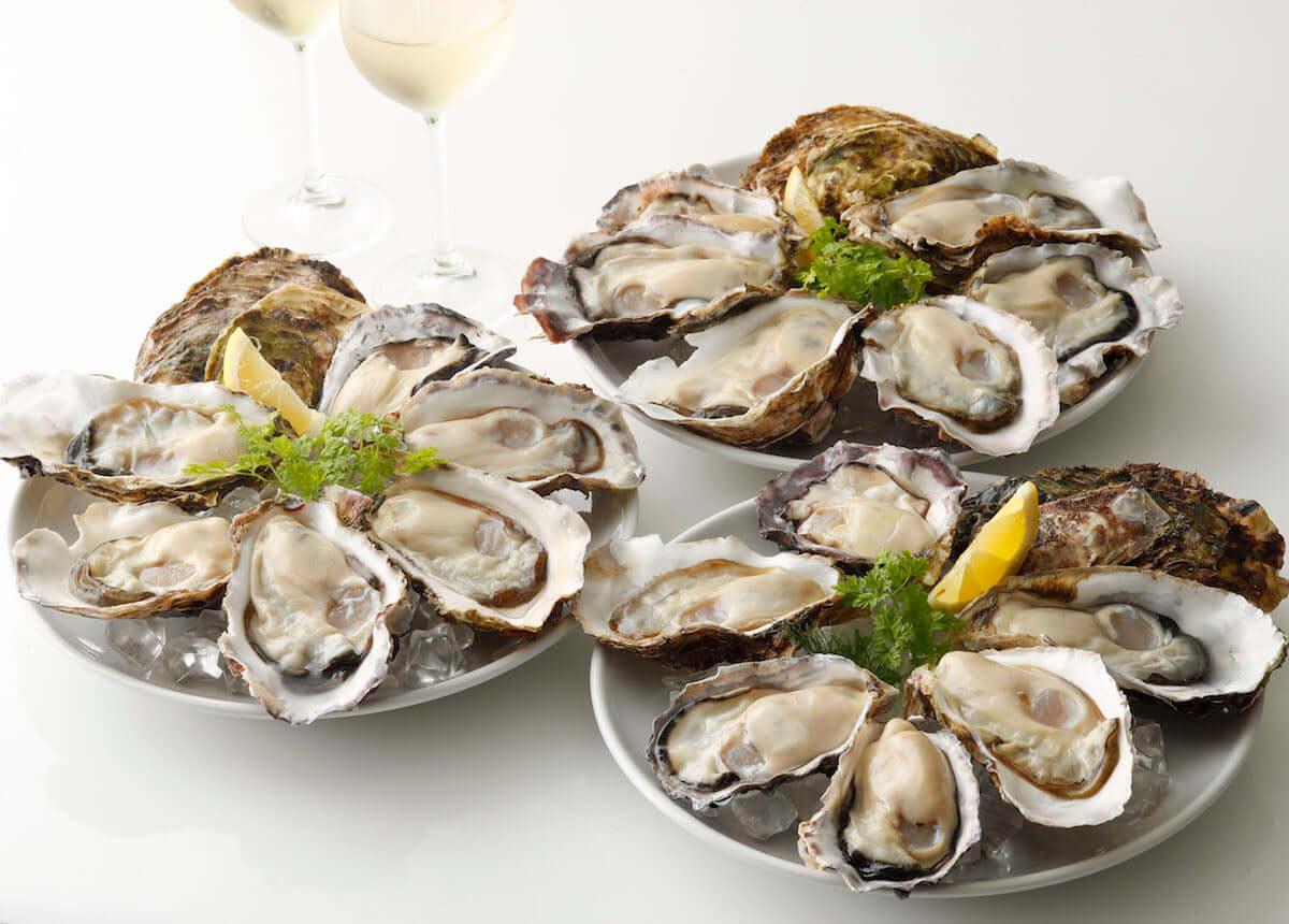 全国各地から生牡蠣が続々入荷!生牡蠣全品半額の<POWER OYSTERフェア>開催中! food181113_oysterbar_1-1200x860