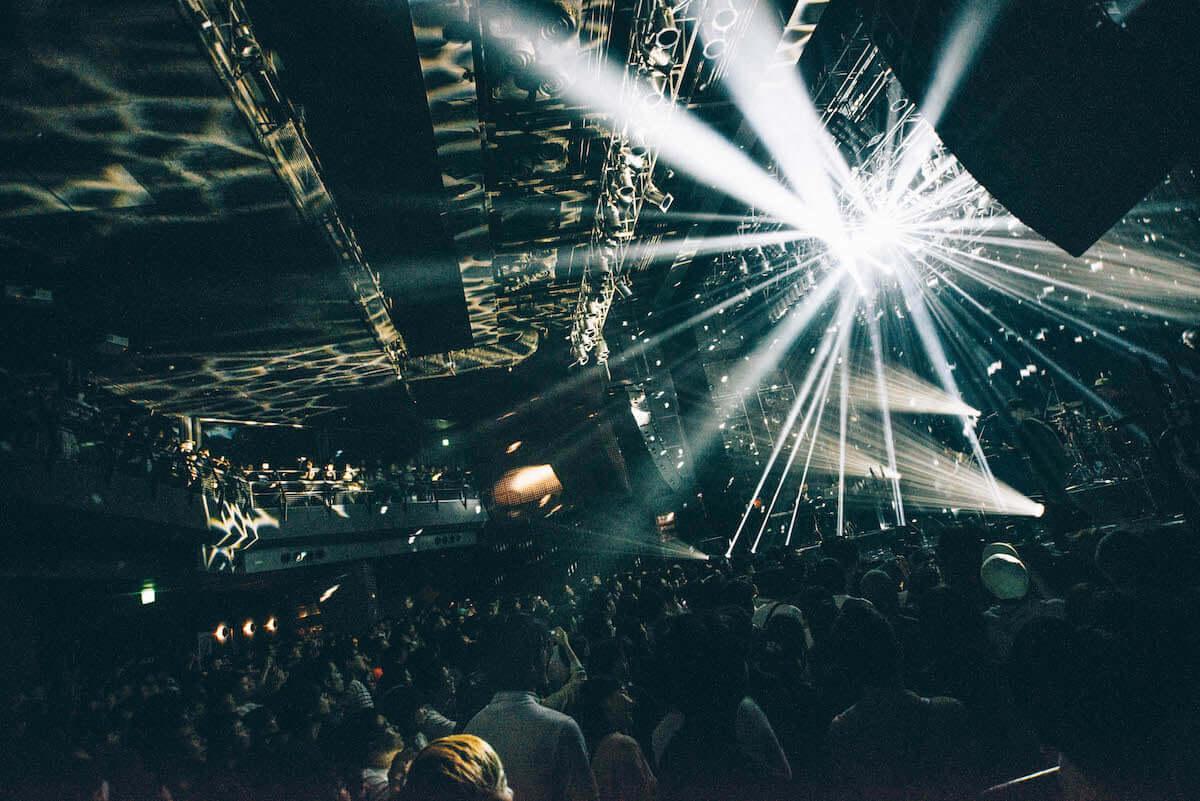 toconomaライブレポート|「週末」を熱狂させた結成10周年記念ツアーファイナル music_toconoma_6015-1200x801