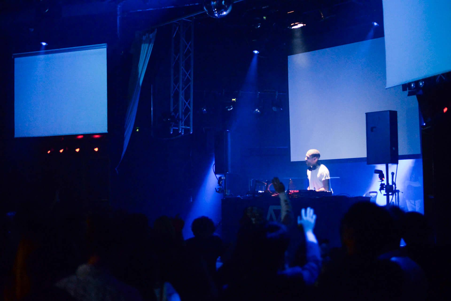 フォトレポ|注目のパリ発レーベル「Roche Musique」×国内人気パーティー「MODERN DISCO」 music181129-modern-disco-3-1920x1282