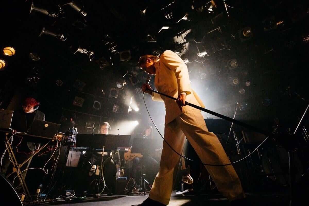 【ライブレポート】平成最後のエンターテイナー高岩遼のアルバム・リリース記念ライブが大盛況で終了!Yaffleとの「The Christmas Song」カヴァー音源が公開 music181216-takaiwa-ryo-1-1200x800