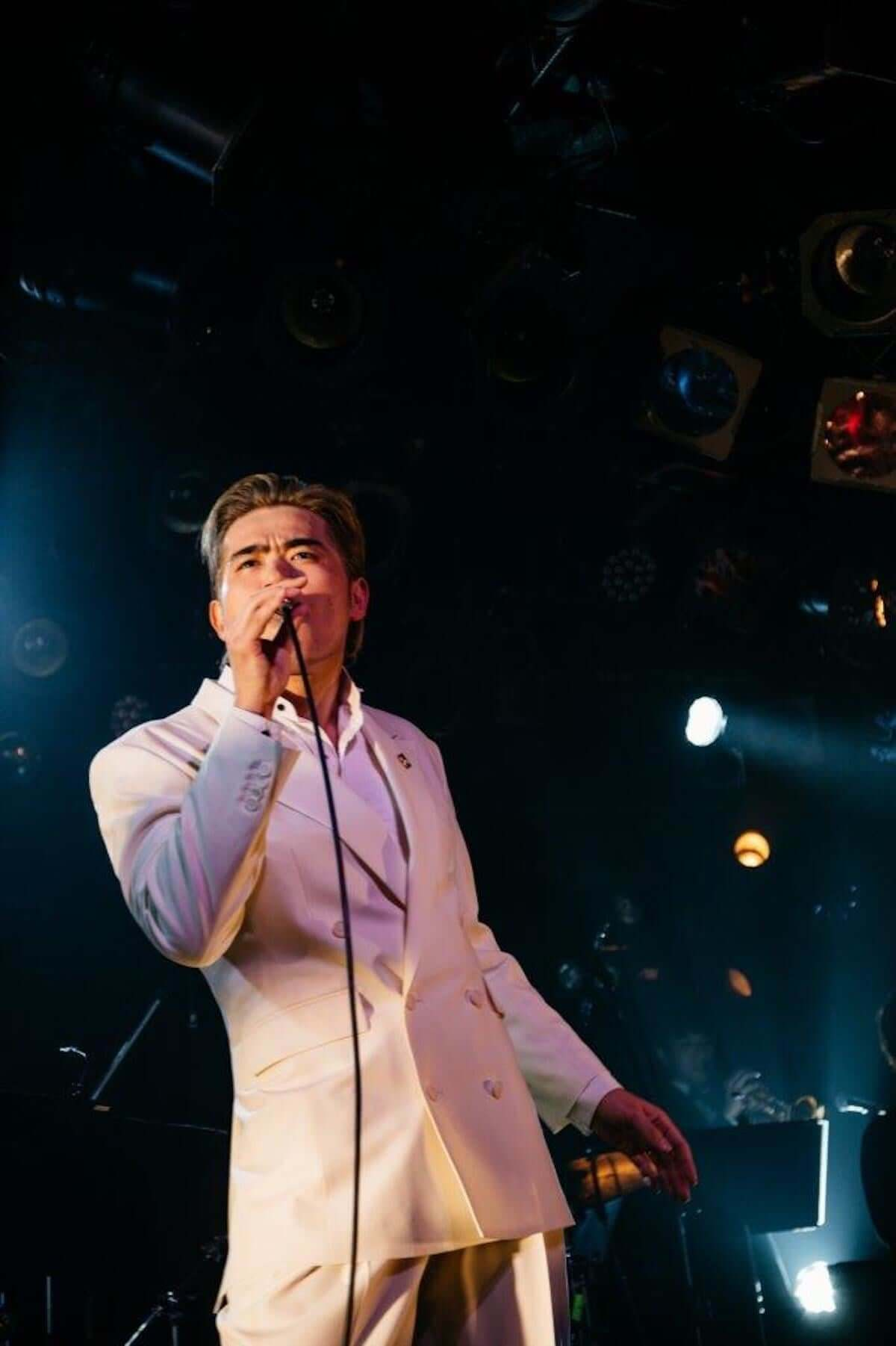 【ライブレポート】平成最後のエンターテイナー高岩遼のアルバム・リリース記念ライブが大盛況で終了!Yaffleとの「The Christmas Song」カヴァー音源が公開 music181216-takaiwa-ryo-2-1200x1802