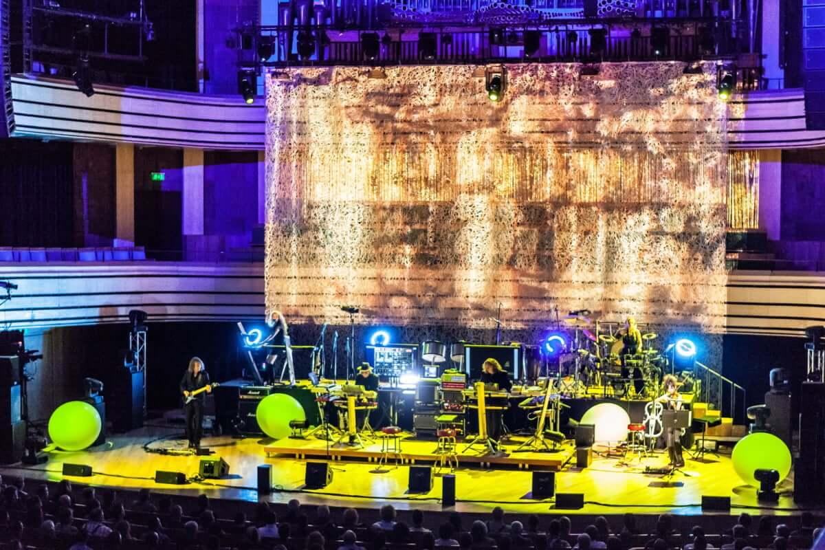 タンジェリン・ドリーム、ソロ、作曲と多彩な顔を持つ世界的ヴァイオリニスト山根星子インタビュー 『ベルリンで生きる女性たち』 Part.5 Tangerine-Dream2014-World-Tour-1200x800