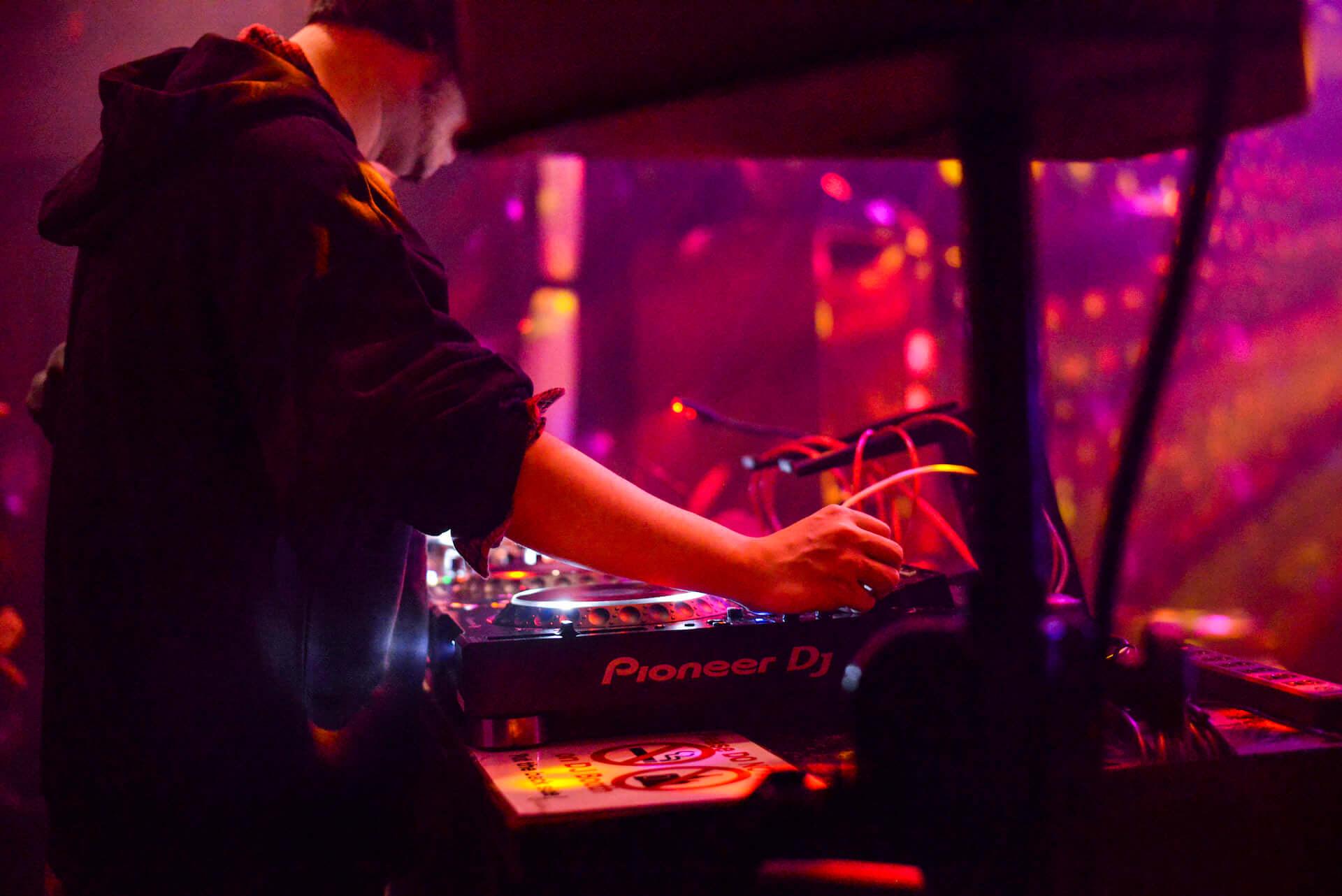 フォトレポ|注目のパリ発レーベル「Roche Musique」×国内人気パーティー「MODERN DISCO」 music181129-modern-disco-10-1920x1282