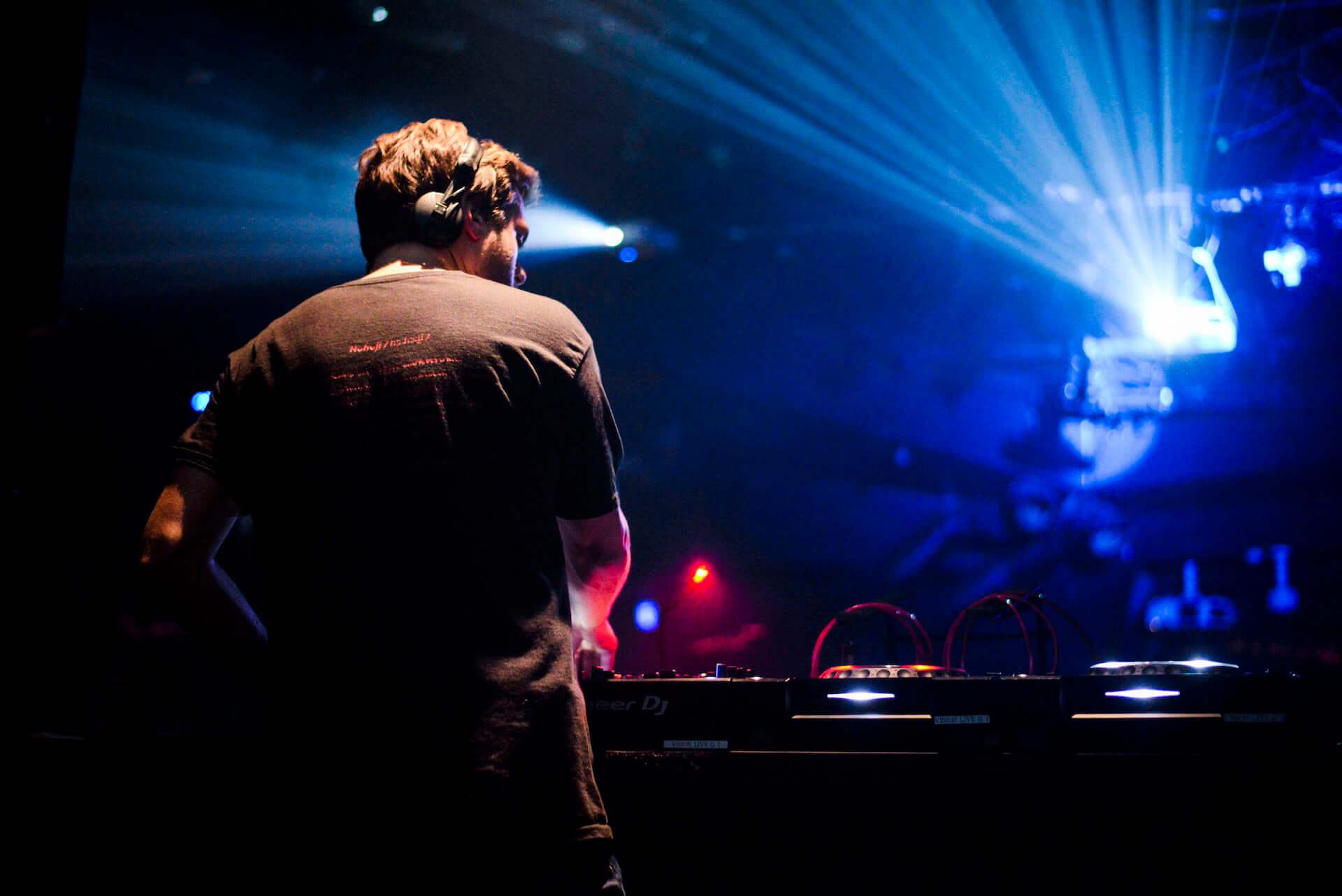 フォトレポ|注目のパリ発レーベル「Roche Musique」×国内人気パーティー「MODERN DISCO」 music181129-modern-disco-17-1920x1282