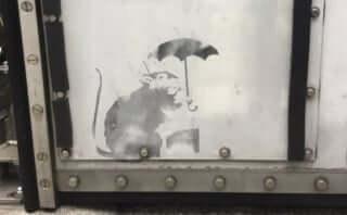 都内で発見されたバンクシーの絵は「110%本物」|絵は東京都が引き続き保管か