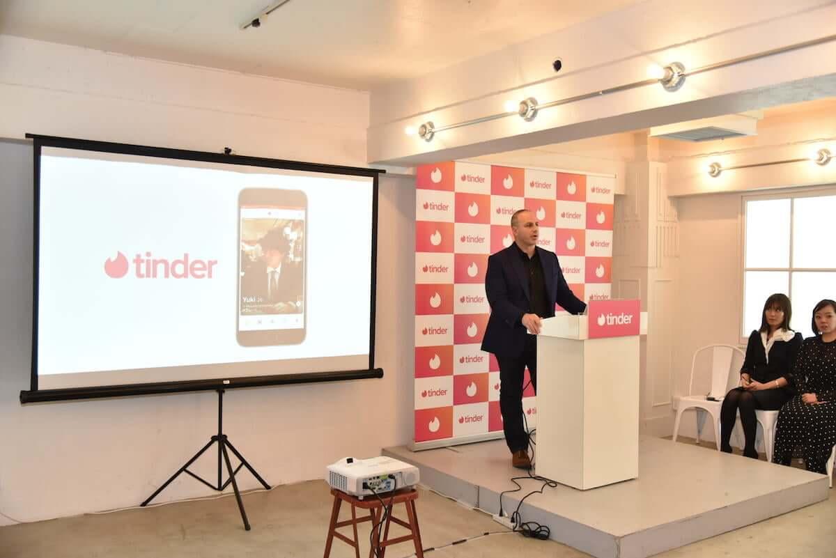 「マッチング」から「女性に優しいソーシャルアプリ」へ。日本でTinderはどう進化するのか art-culture190128-tinder-1-1200x801