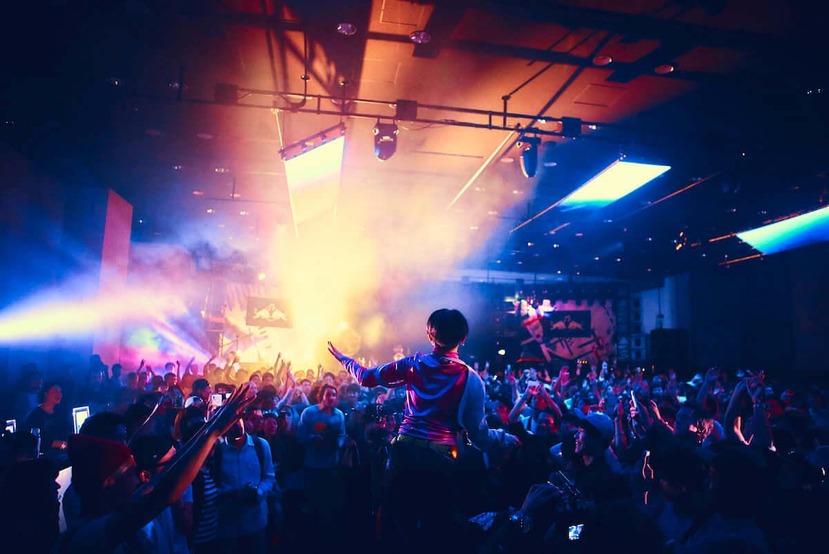 「ローラースケートアリーナ」が1日限りのディスコに変身?「Red Bull Music Festival Tokyo」が4月に開催決定 cYusuke-Kashiwazaki-Red-Bull-Content-Pool-1200x802