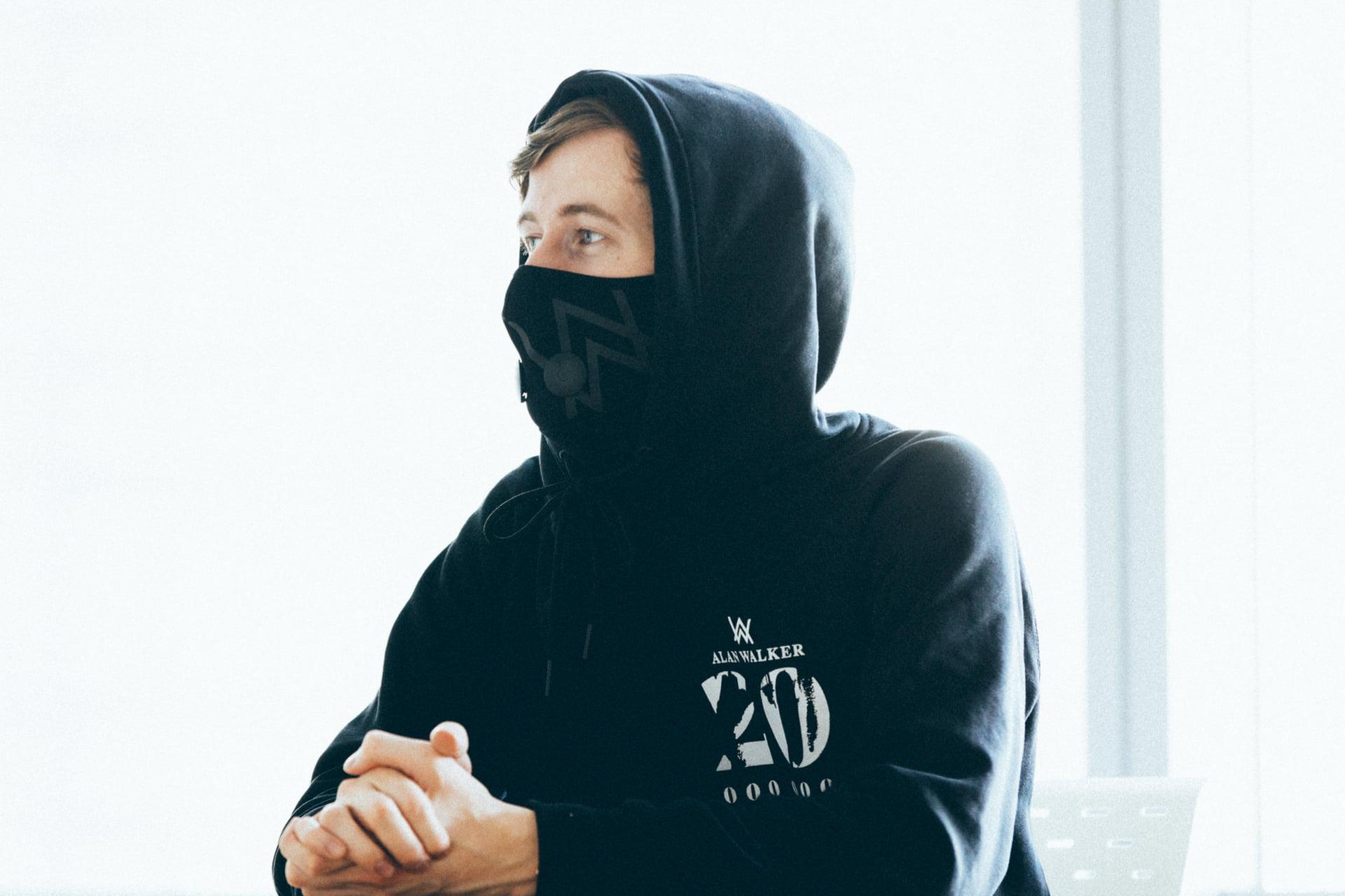 アラン・ウォーカー インタビュー|21歳のEDMプロデューサーが考えるネット上のコミュニティと可能性 interview1901-alan-walker-2-1920x1280