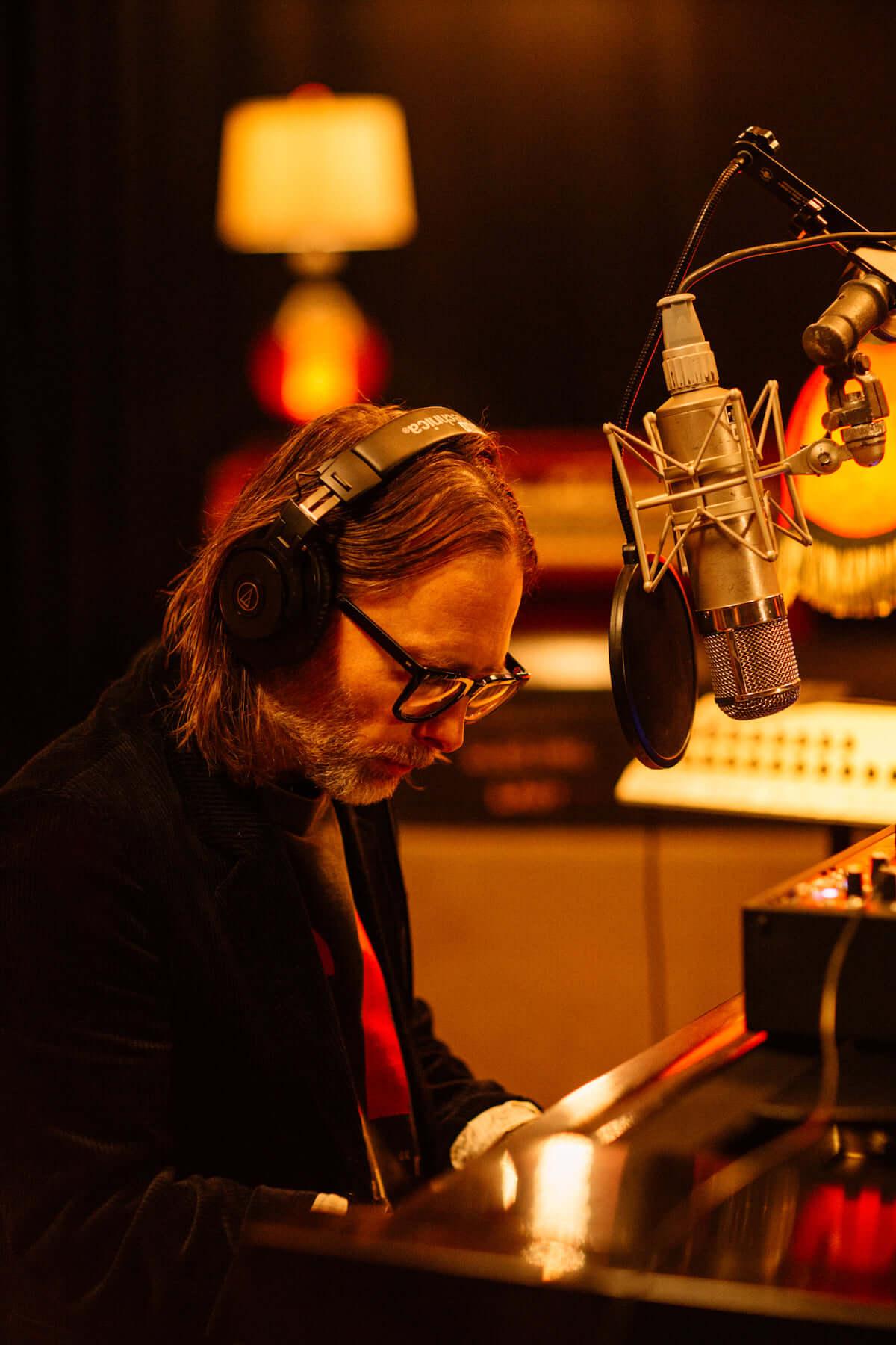 トム・ヨーク、伝説的傑作ホラー映画「サスペリア」のサントラ未発表曲を集めたEPがリリース music190222-thomyorke-1-1200x1800
