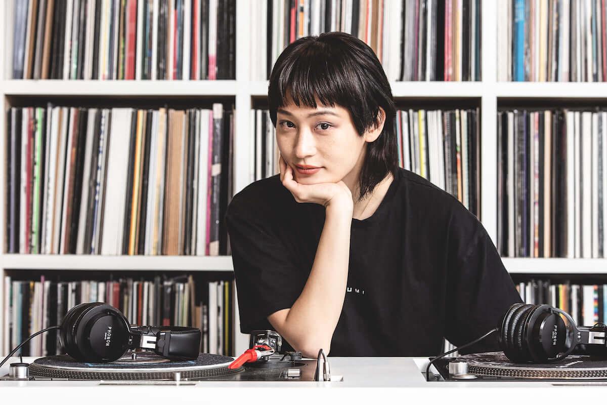 アーティストの選んだレコードが届くサービス「PERSONAL BUYER」第2弾ゲストバイヤーにコムアイ、新羅慎二(若旦那)が参加 music190308-personalbuyer-3-1200x800