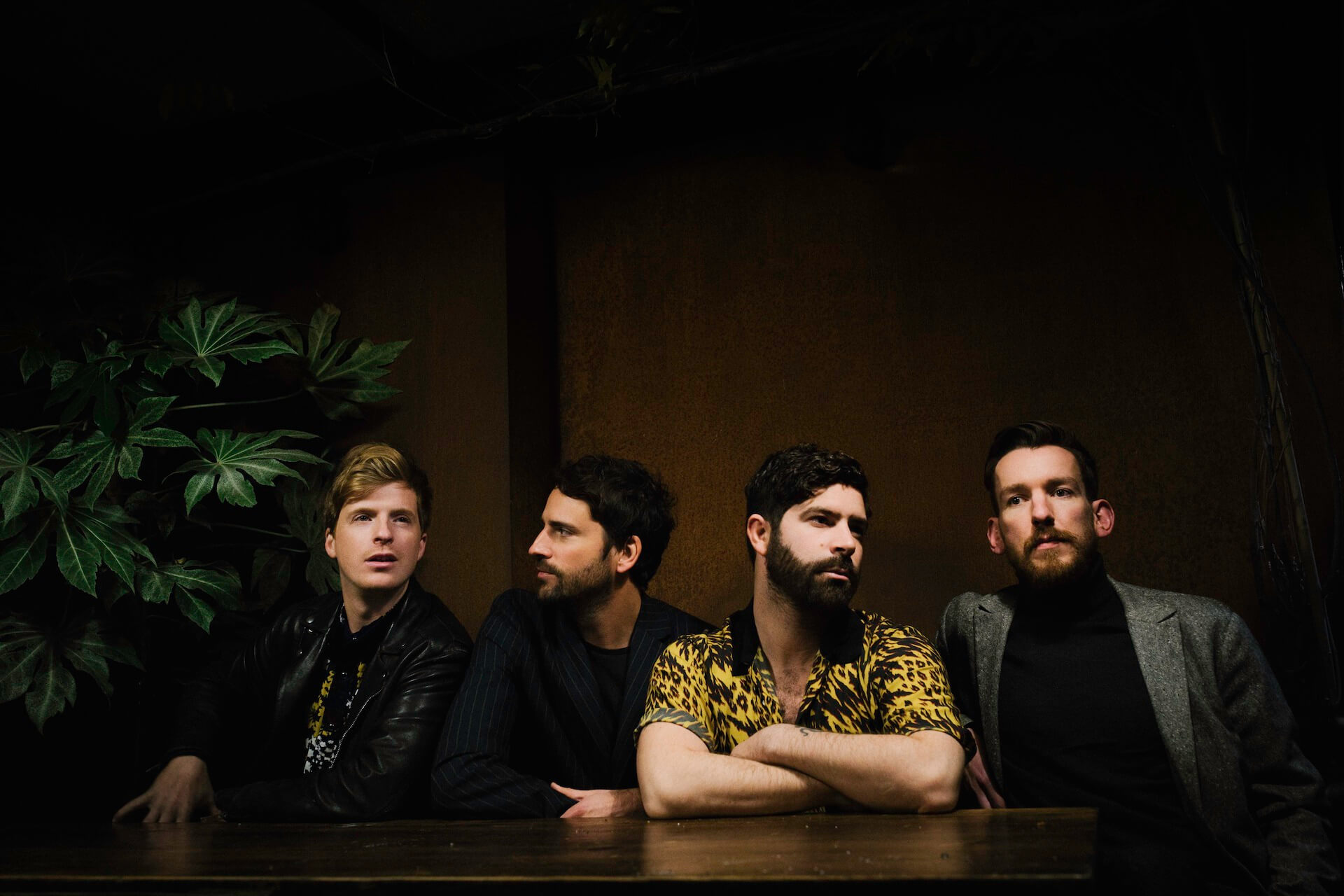 Foals珠玉の最新作『Everything Not Saved Will Be Lost Part 1』から紐解く「UKロックの雄」その軌跡 music190314_foals_1