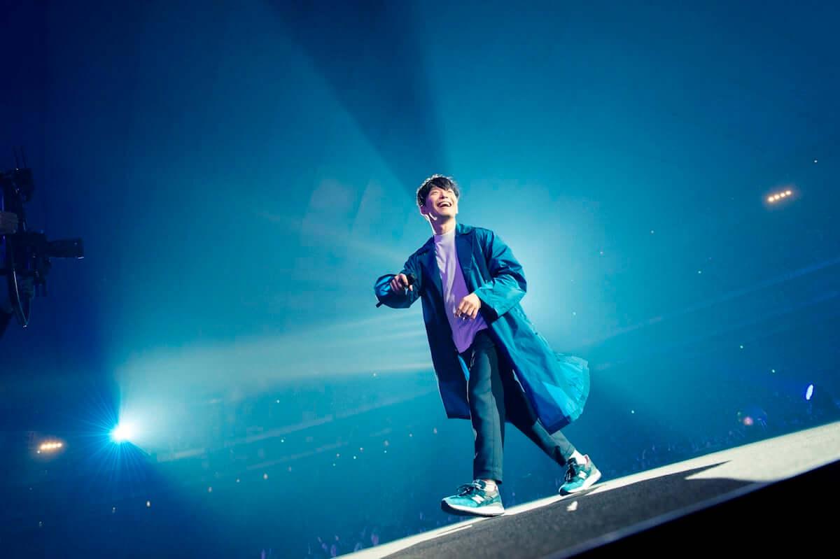 星野源、NHK総合で『POP VIRUS』リリースツアーの最新ライブ映像とインタビューを収録した番組が放送決定! music190315_hoshinogen_main-1200x799