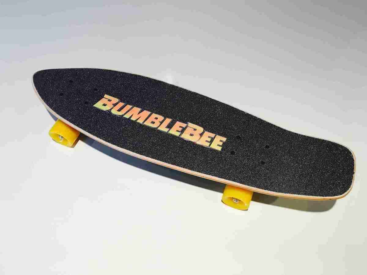 映画『バンブルビー』オリジナルスケートボードを限定2名様にプレゼント! film190322_bumblebee_2-1200x900