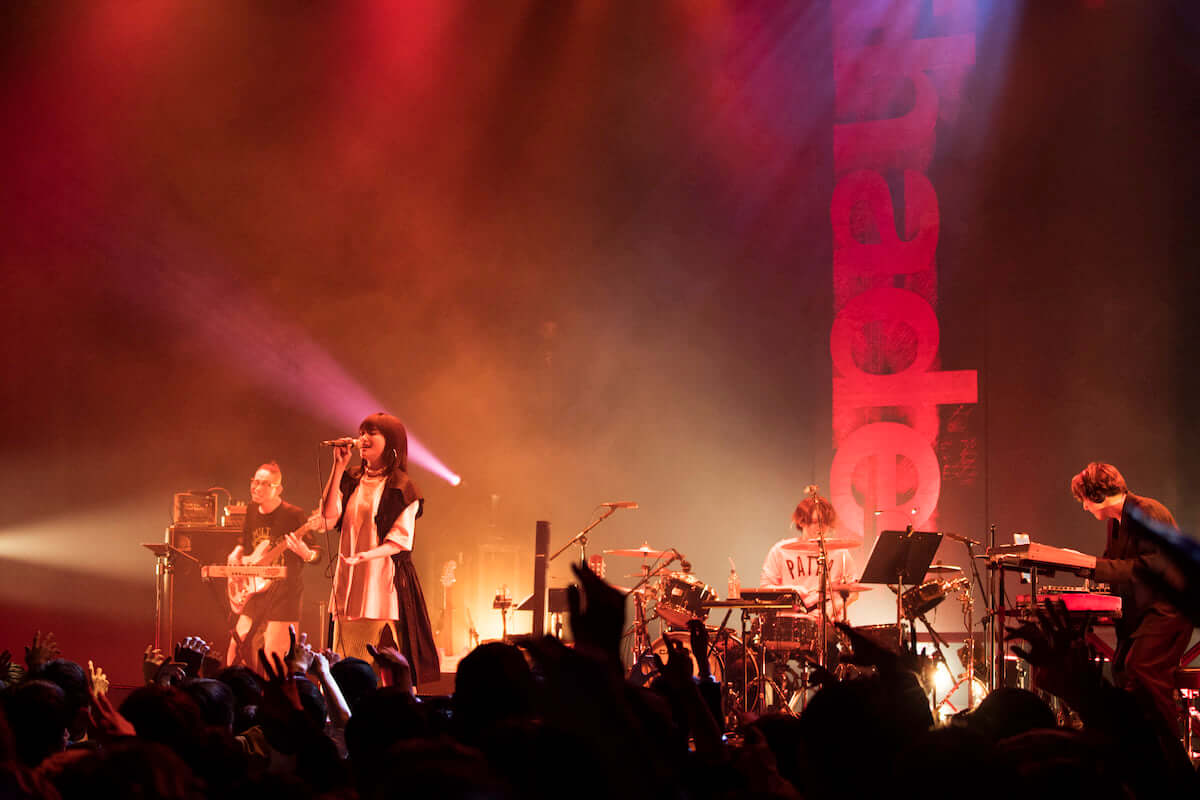 iri、アルバム『Shade』を引っ提げた全国ツアースタート!初日公演にはSTUTSがゲスト参加 music190408_iri_1-1200x800