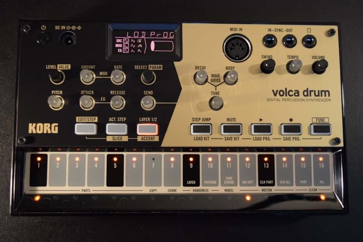 音作りや演奏の自由度が高いデジタル・パーカッション・シンセサイザーKORG『volca drum』のサウンドと魅力 technology190410-korg-volca-drum-2-1200x802