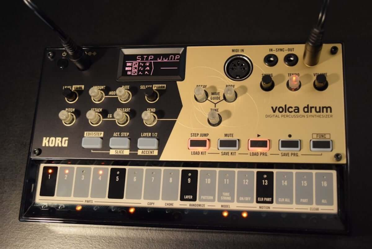 音作りや演奏の自由度が高いデジタル・パーカッション・シンセサイザーKORG『volca drum』のサウンドと魅力 technology190410-korg-volca-drum-10-1200x802