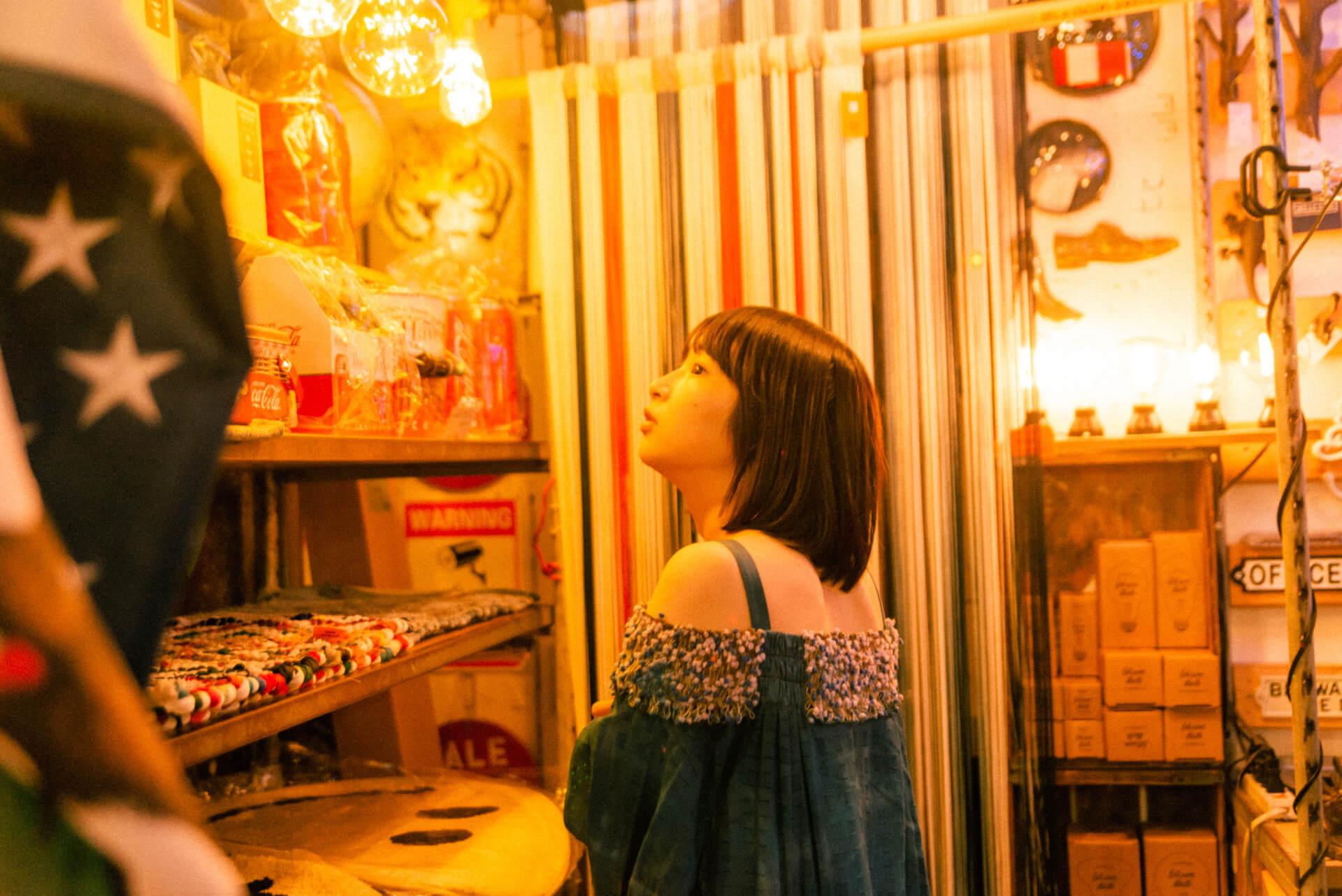 コウキシン女子の初体験vol.17 石川 瑠華:上野・アメ横 column_0917_ishikawaruka_8862-fix