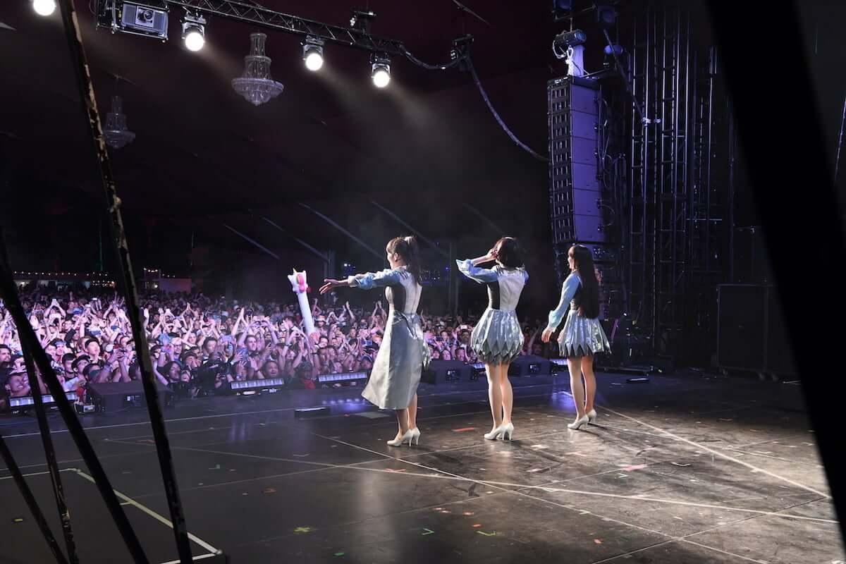 Perfumeアメリカ最大の音楽フェスCoachellaで観客を魅了|日本時間4月22日16時からYouTubeにて配信決定!! music190419_perfume_02-1200x800