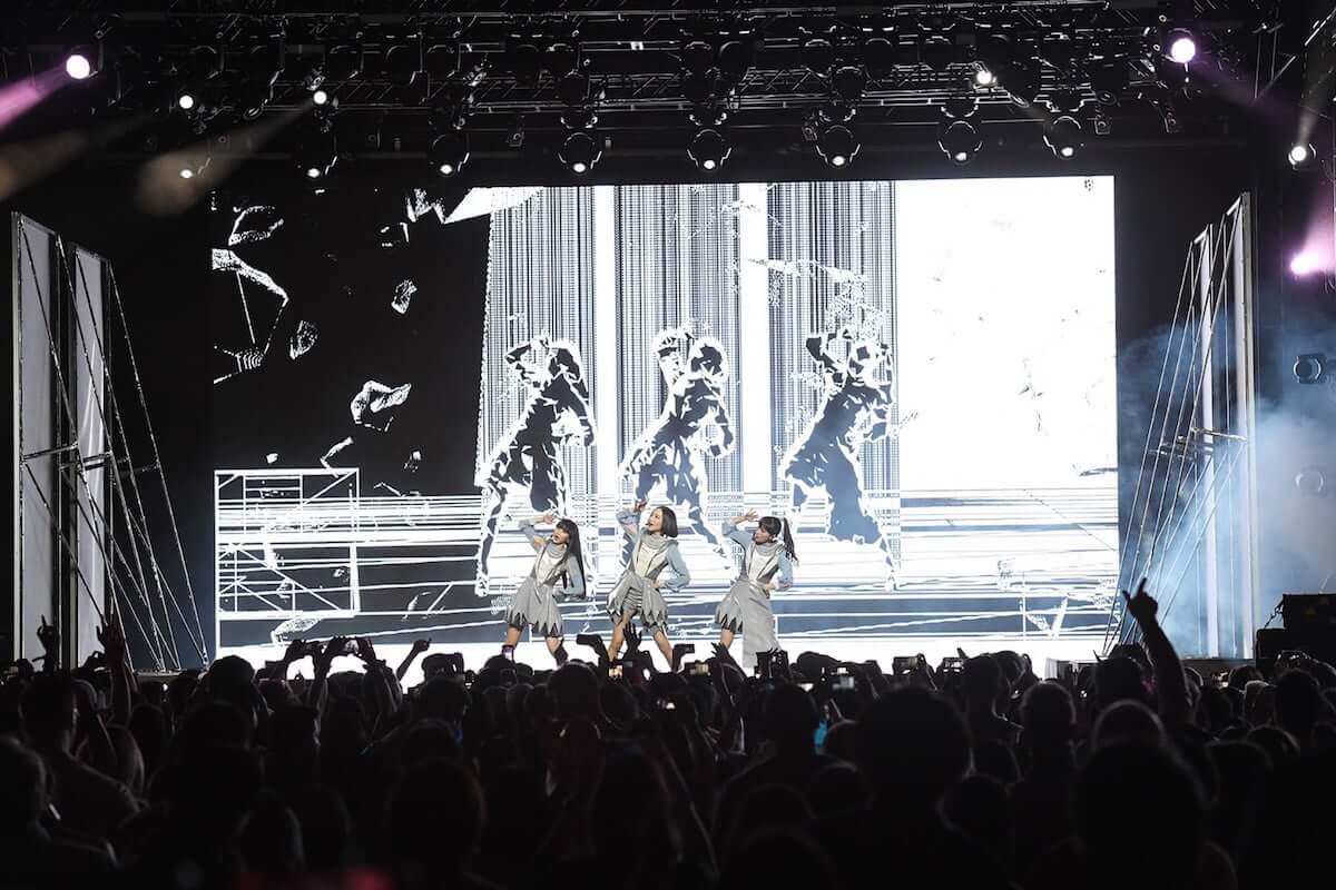 Perfumeアメリカ最大の音楽フェスCoachellaで観客を魅了|日本時間4月22日16時からYouTubeにて配信決定!! music190419_perfume_01-1200x800