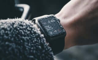 Apple Watchを海で無くしたサーファー、6ヶ月後に海で再発見|動作確認も