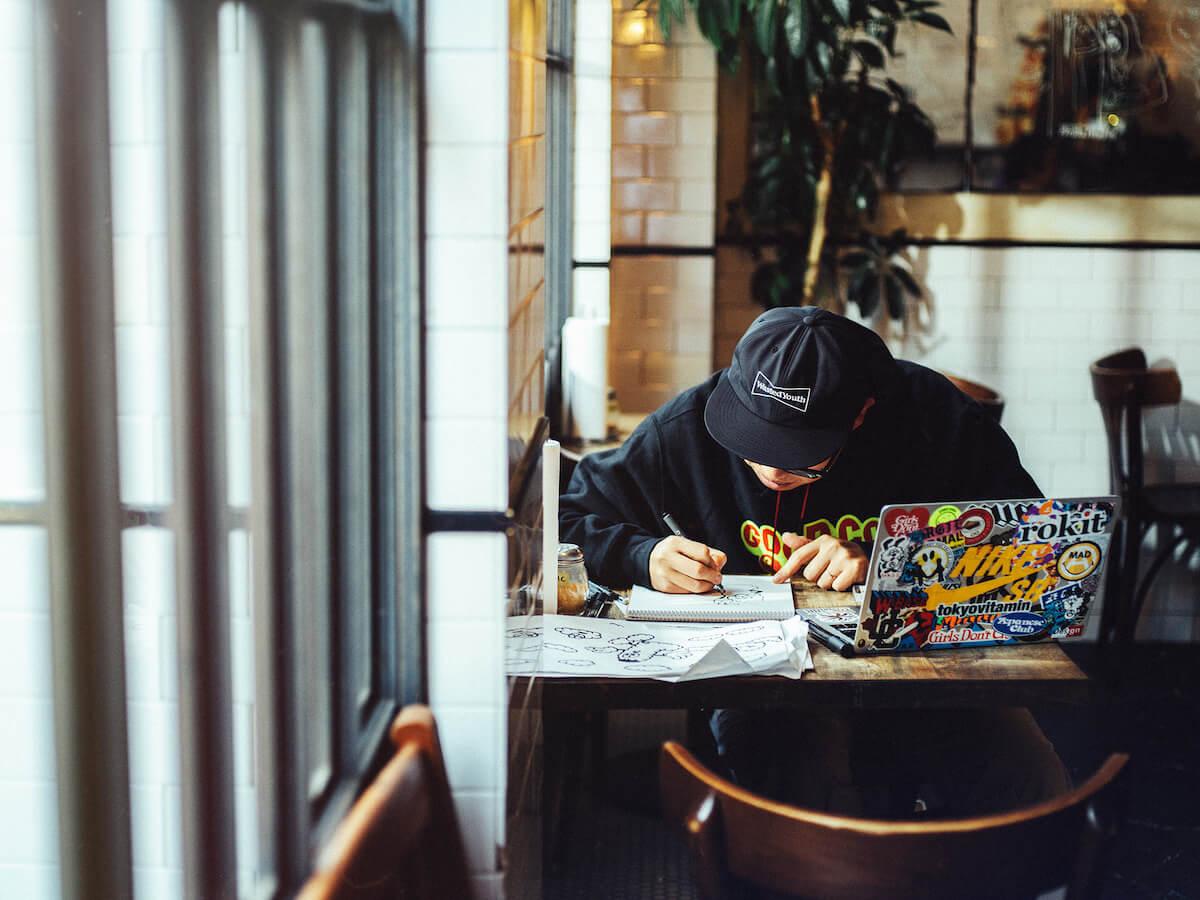 「Girls Don't Cry」など手がけるアーティストVERDYが<EDC JAPAN 2019>移動式DJブースをプロデュース!「映える」うどん屋も初出店 mu190426_edcjapan9