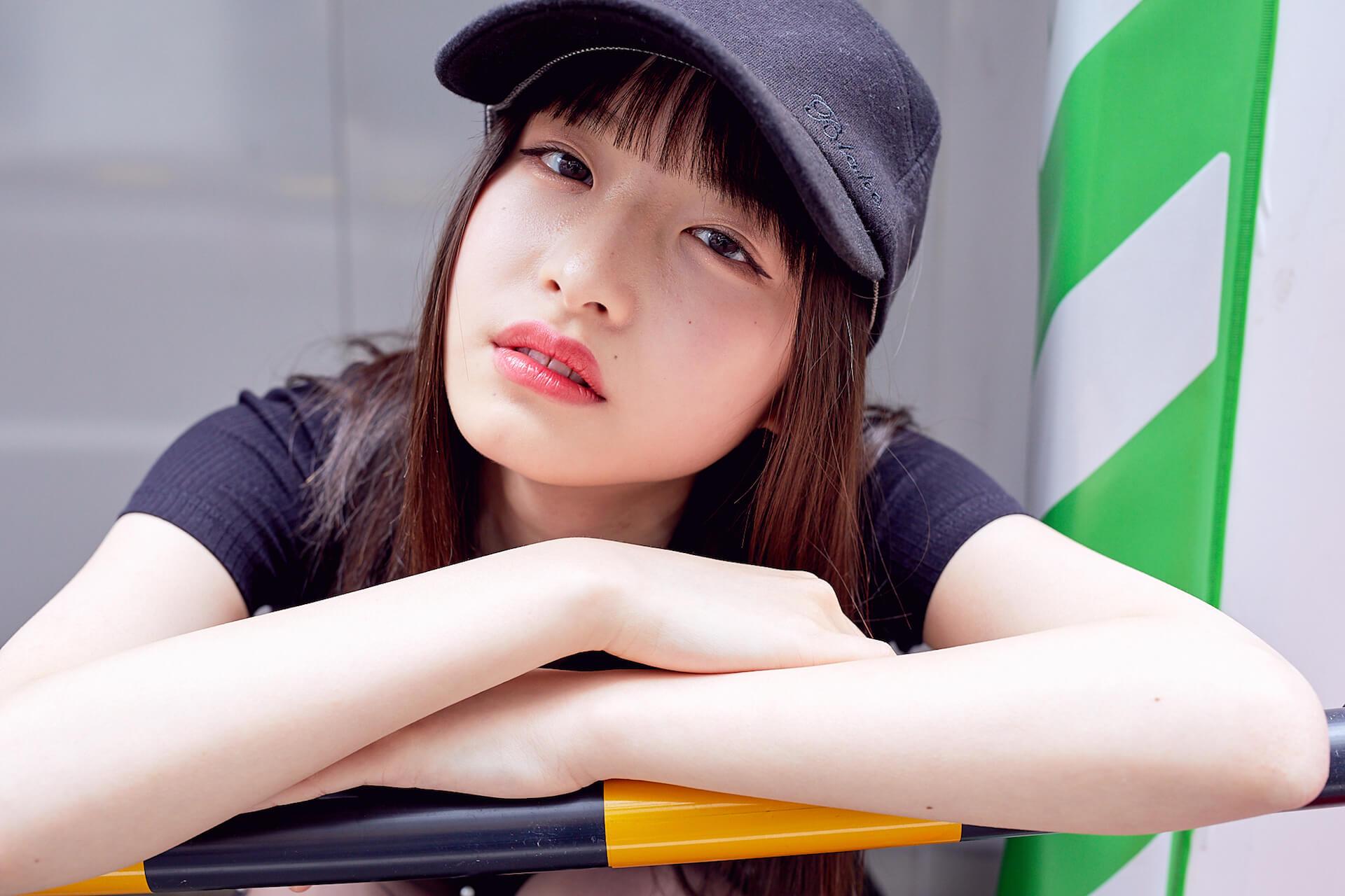 内田珠鈴はなぜ、自分をさらけ出そうと思ったのか? 初EP『光の中を泳ぐ』について語る interview190517-uchida-shuri-6