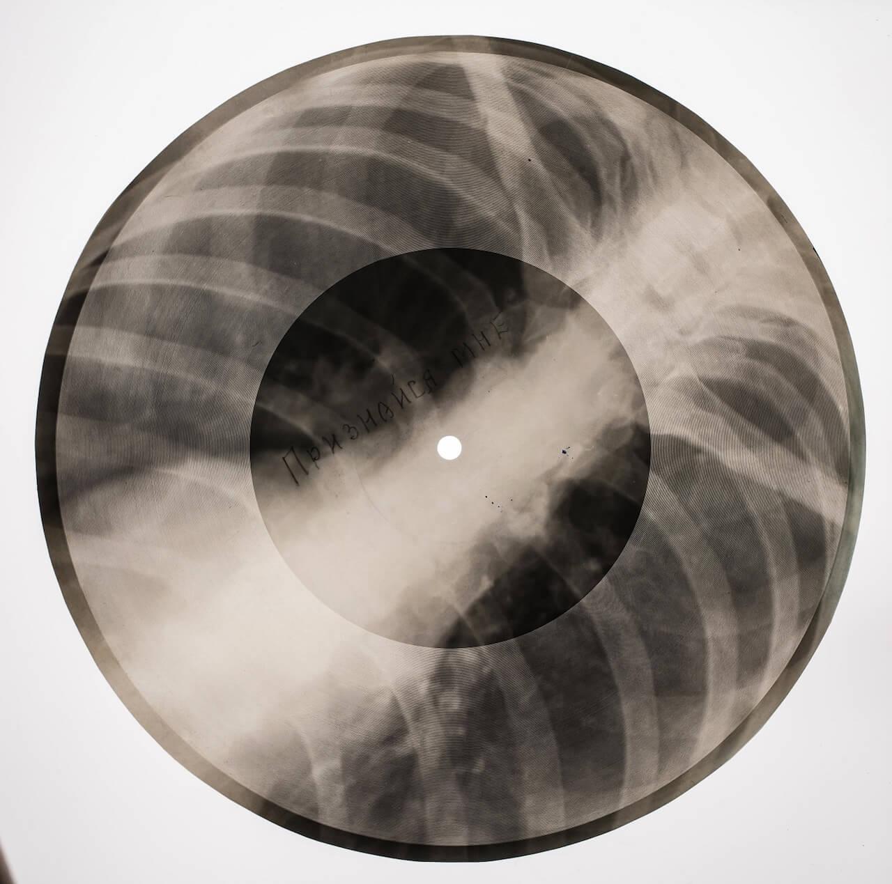 もし自分の好きな音楽が聴けなくなったら?BONE MUSIC展が発信するロマンティックなストーリー interview190422-bone-music-6
