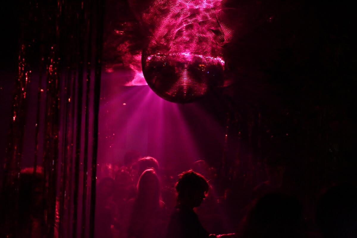 アムステルダムの撮影禁止クラブに潜入、Rush Hourアニバーサリーパーティーをレポート 2Q8A0095