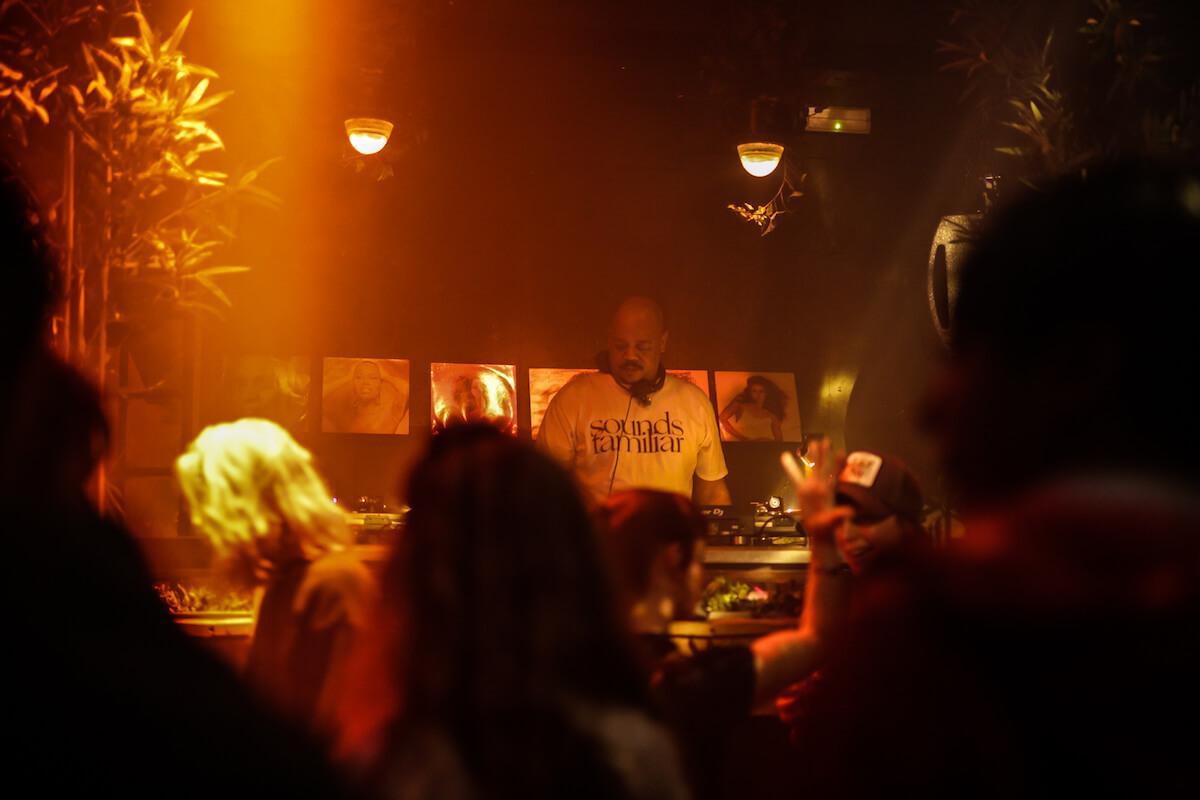 アムステルダムの撮影禁止クラブに潜入、Rush Hourアニバーサリーパーティーをレポート 2Q8A0374