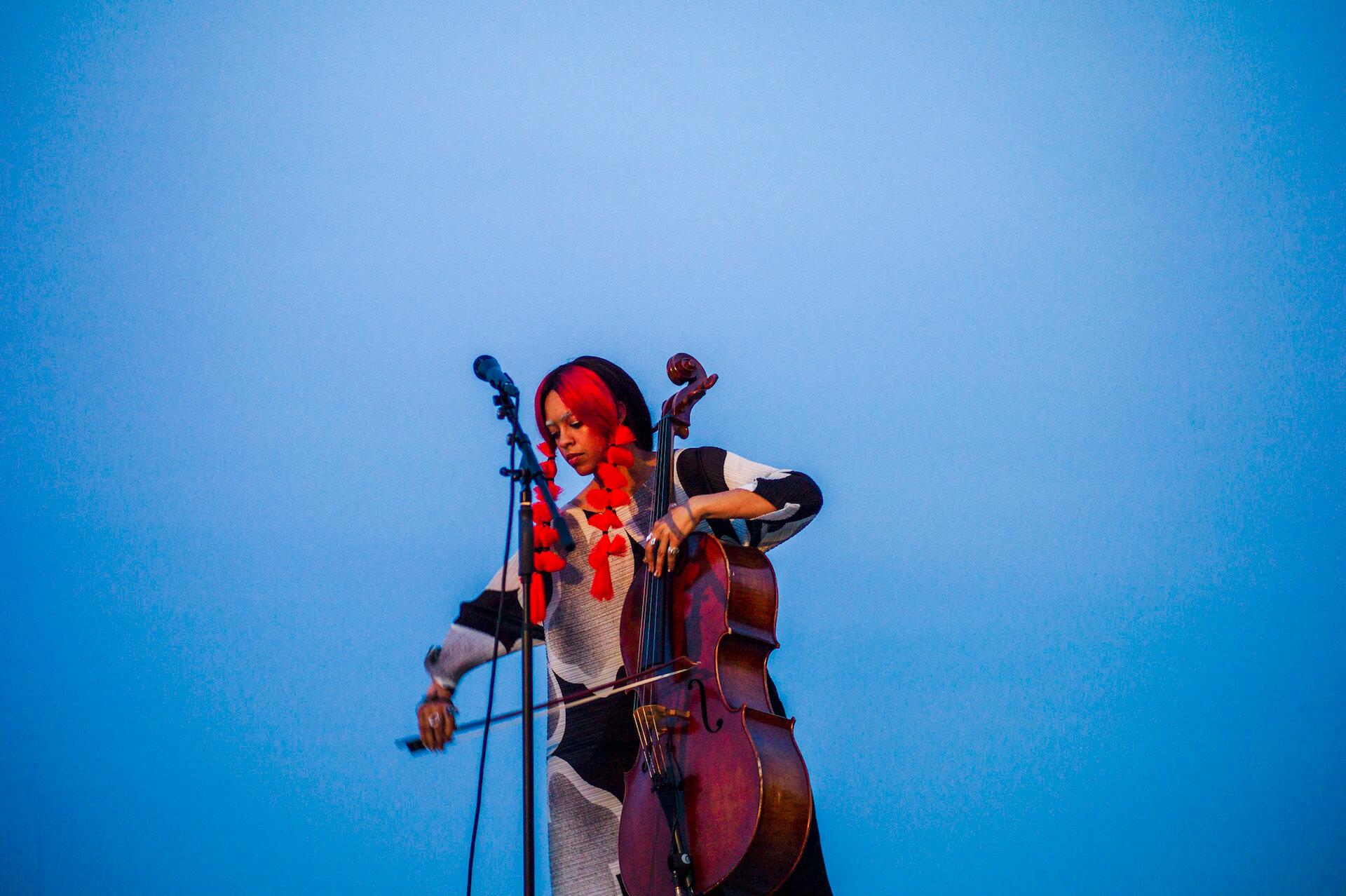 Kelsey Lu ライヴ・レポート 小田原文化財団/江之浦測候所で日没に向かうたった50分の間に見せた奇跡 music190529-kelsey-lu-report-3