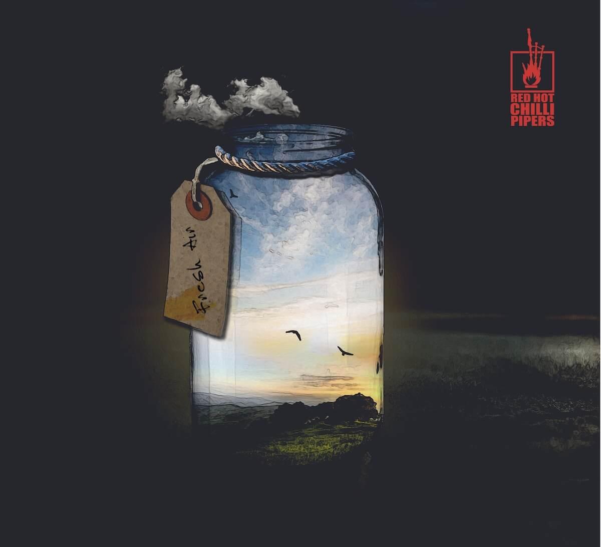 <フジロック2019>出演のレッド・ホット・チリ・パイパーズの最新アルバム『FRESH AIR』がリリース決定|ライブ音源2曲を追加収録 REXY4_JACKET