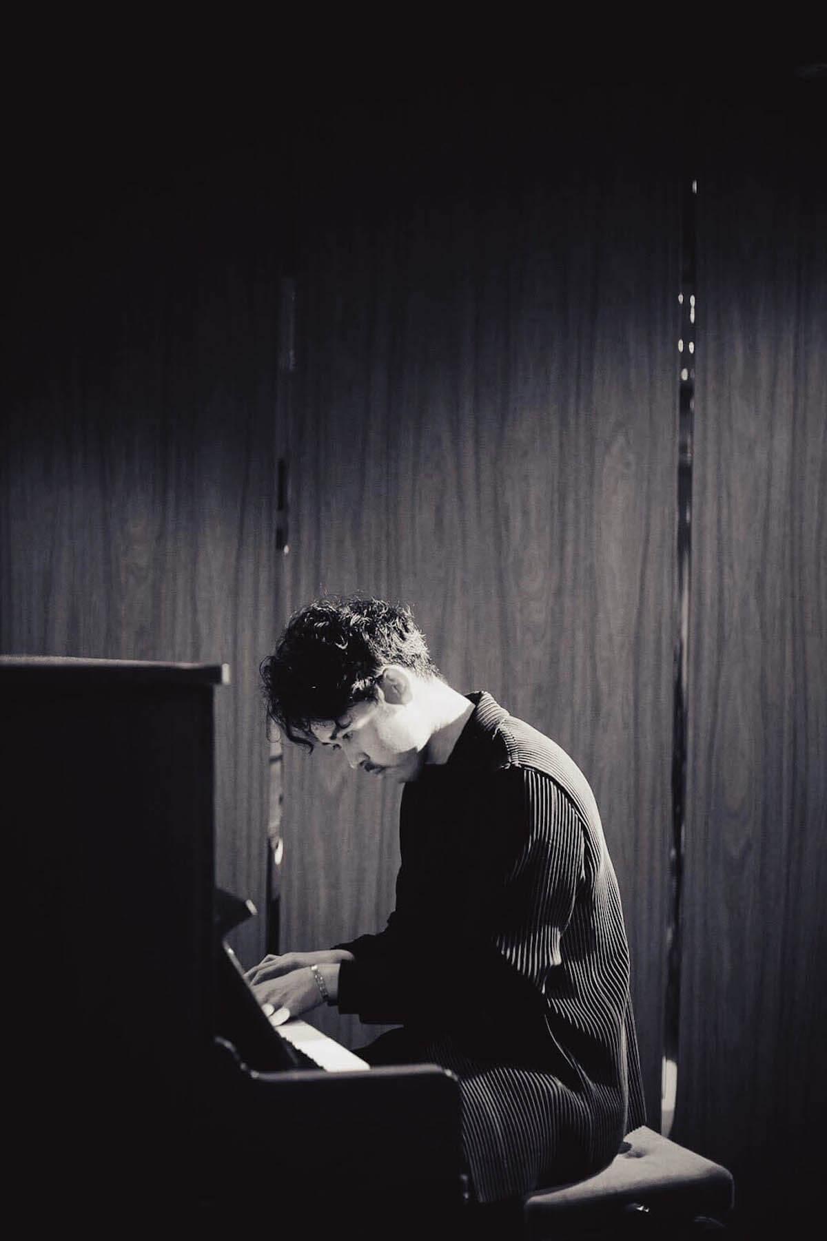 世界が絶賛!19歳シンガーNaz、デビューEPよりWONK・江﨑プロデュース「White Lie」の先行配信&MV公開 music190607naz-whitelie_4