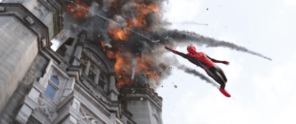 ミステリオは敵か味方か......新映画「スパイダーマン」TVスポット「最新鋭スーツ編」が公開! film190612_sffh_3