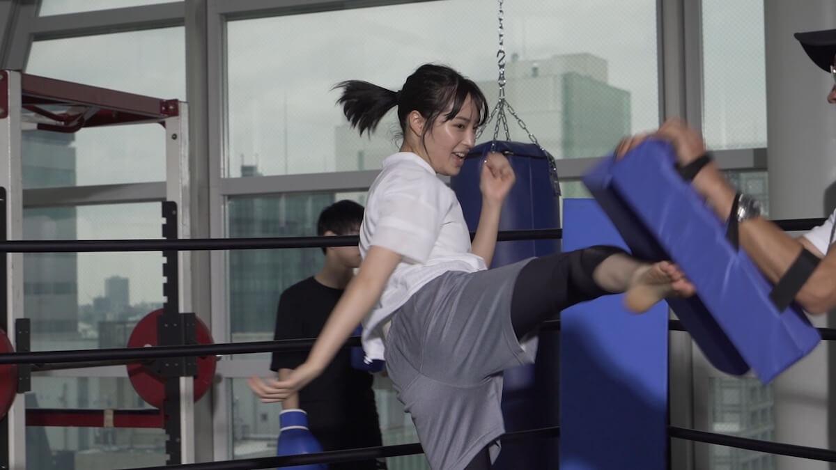 広瀬すずが華麗にキックボクシングを披露!「三ツ矢サイダー」新CM「やりきろうぜっ KICKBOXING」編 gourmet190619_hirosesuzu_mitsuyacider_2