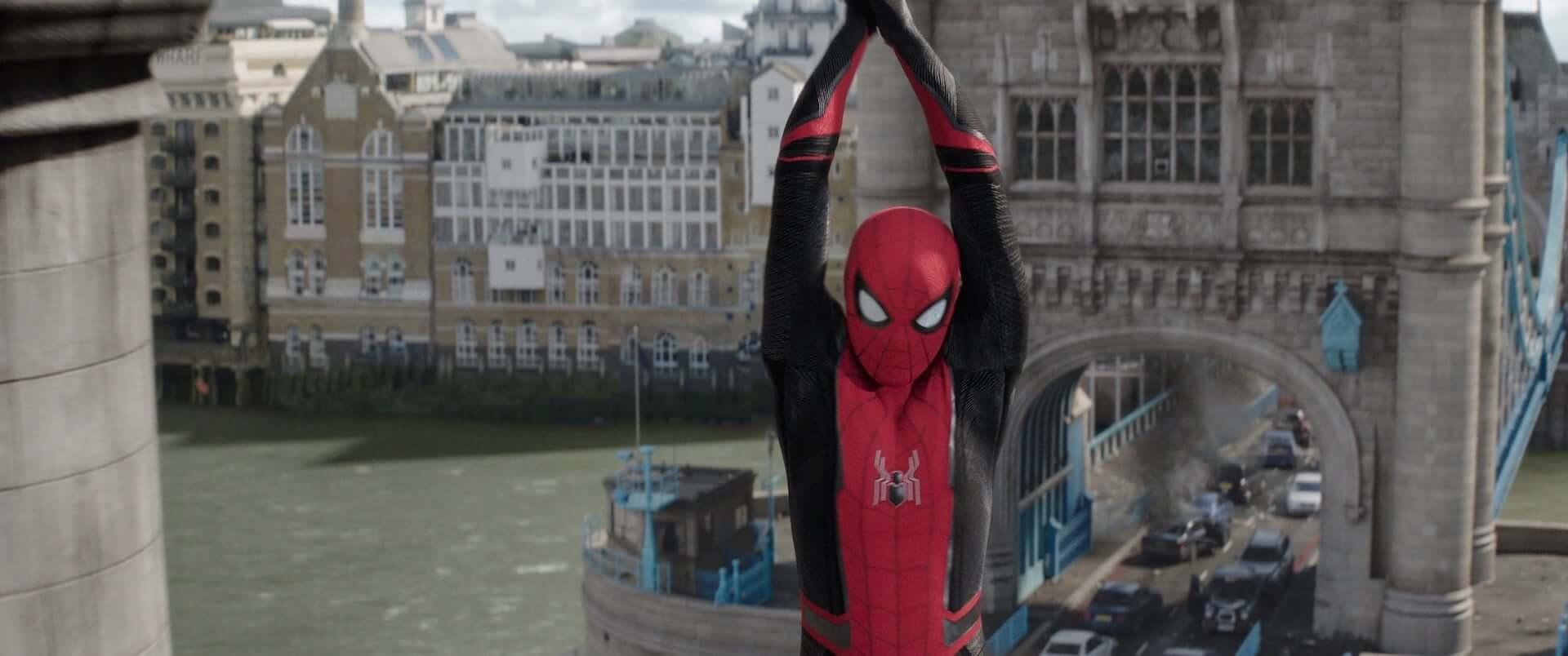 スパイダーマンが縦横無尽にスクリーンを駆け回る|『スパイダーマン:ファー・フロム・ホーム』がScreenXに登場 film190626spiderman-screenx_3-1920x804