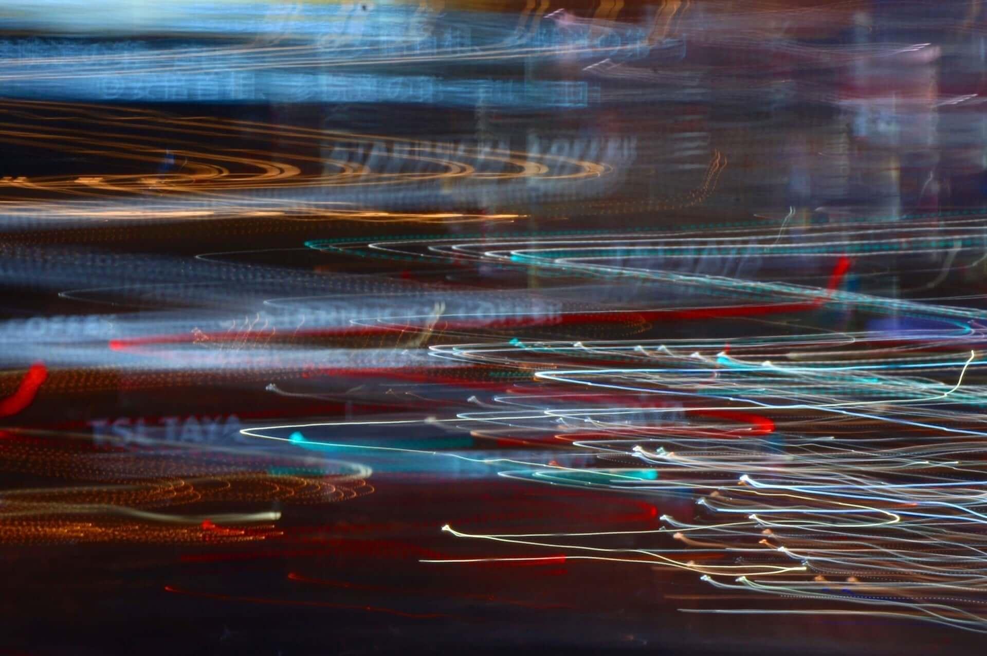 内田珠鈴、自身初の写真展<光の中を泳ぐ>を開催|新作EP『光の中を泳ぐ』リリースイベントにて実施 music190712_uchidashuri_event_3-1920x1276