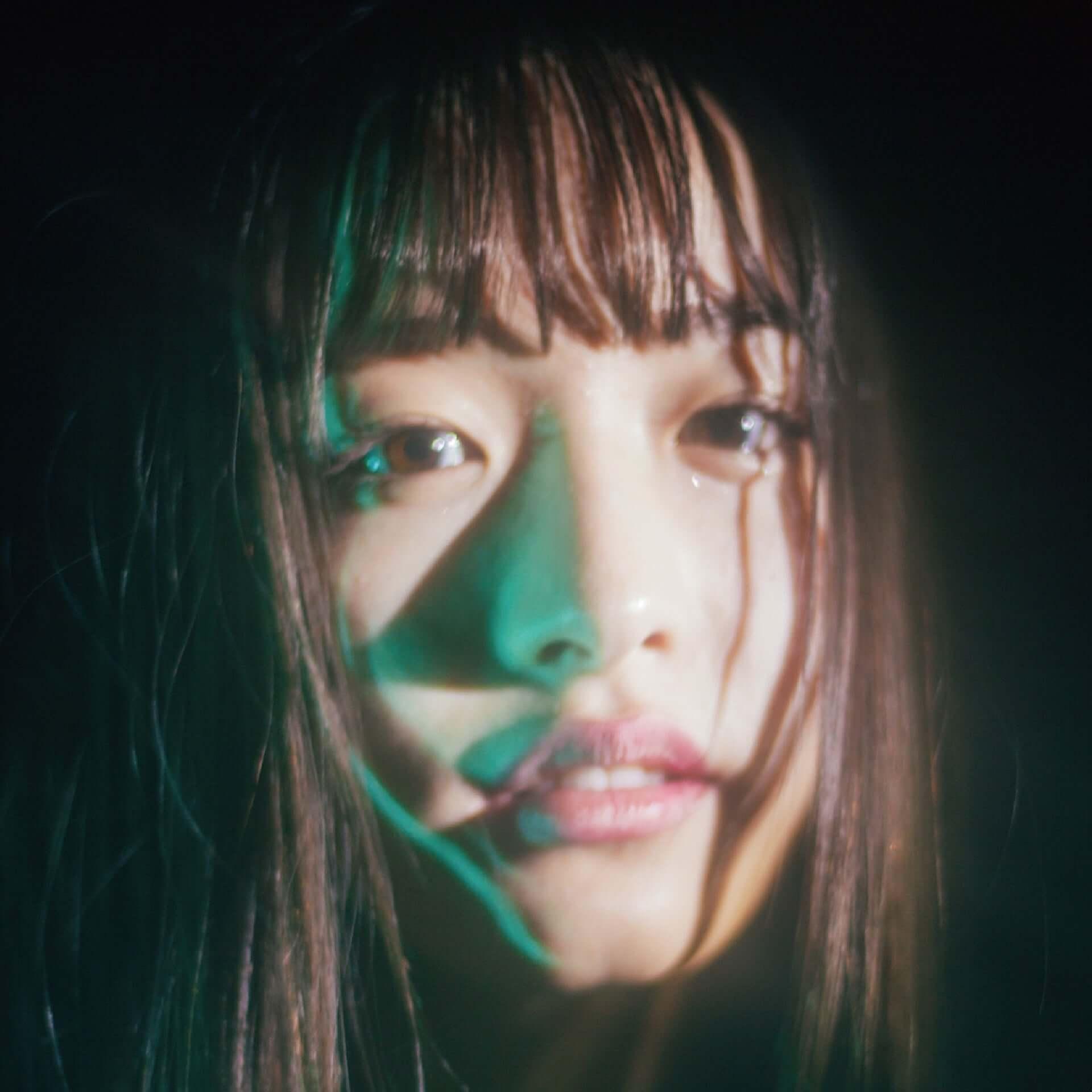 内田珠鈴、自身初の写真展<光の中を泳ぐ>を開催|新作EP『光の中を泳ぐ』リリースイベントにて実施 music190712_uchidashuri_event_main-1920x1920