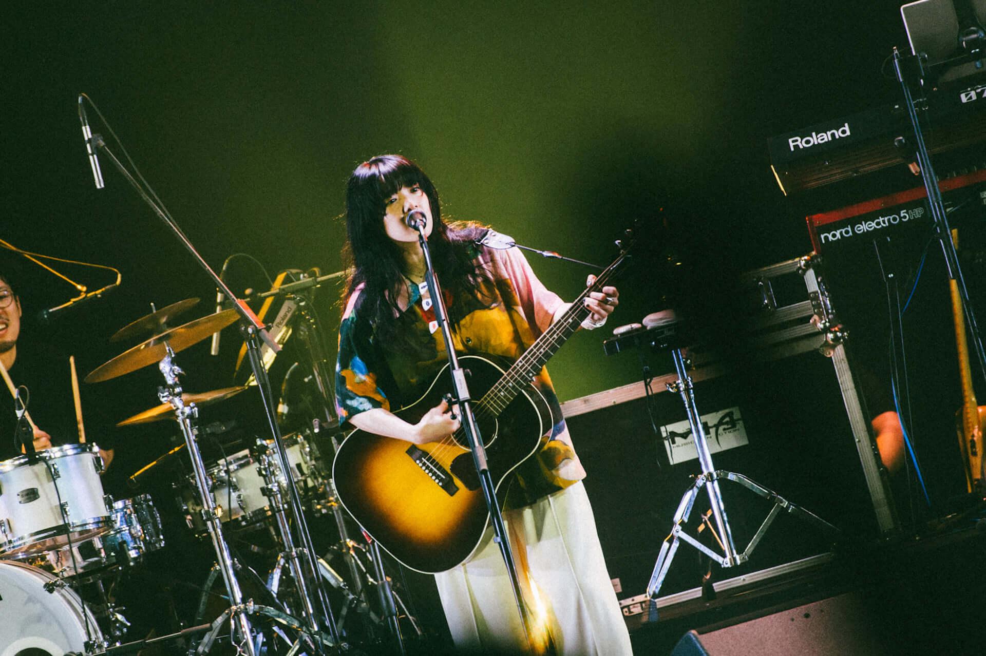 あいみょん初の上海公演で大興奮の19曲を披露!<AIMYON LIVE IN