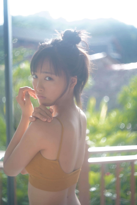 """大友花恋、""""オトナ""""なムードを醸し出す写真集『Karen3』を発売! life190724_otomokaren_4-1920x2880"""