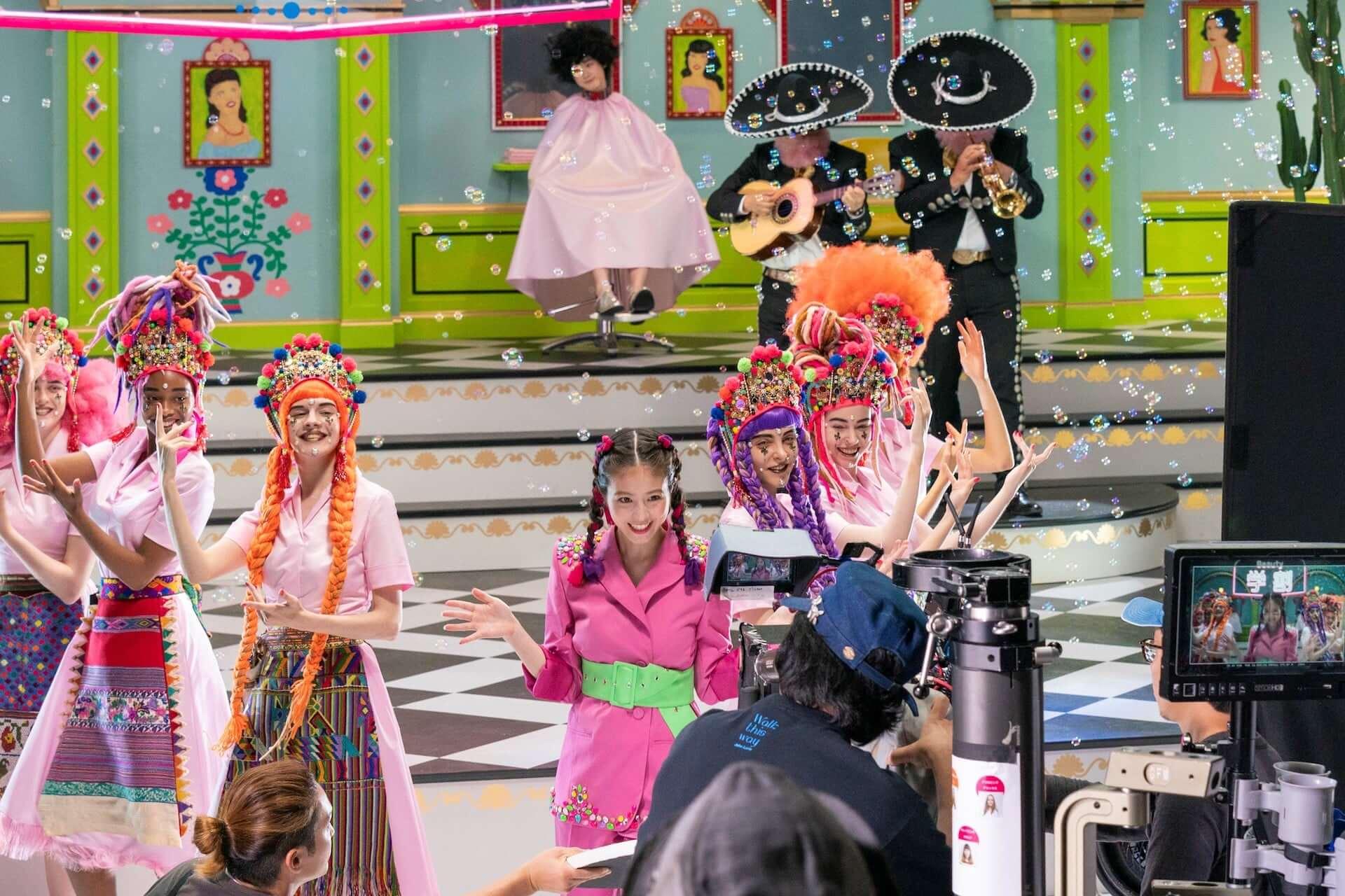 今田美桜がミュージカル風CMで不得意なダンスを披露!?メイキング&インタビュー映像も公開 life190726_imadamio_cm_12-1920x1280