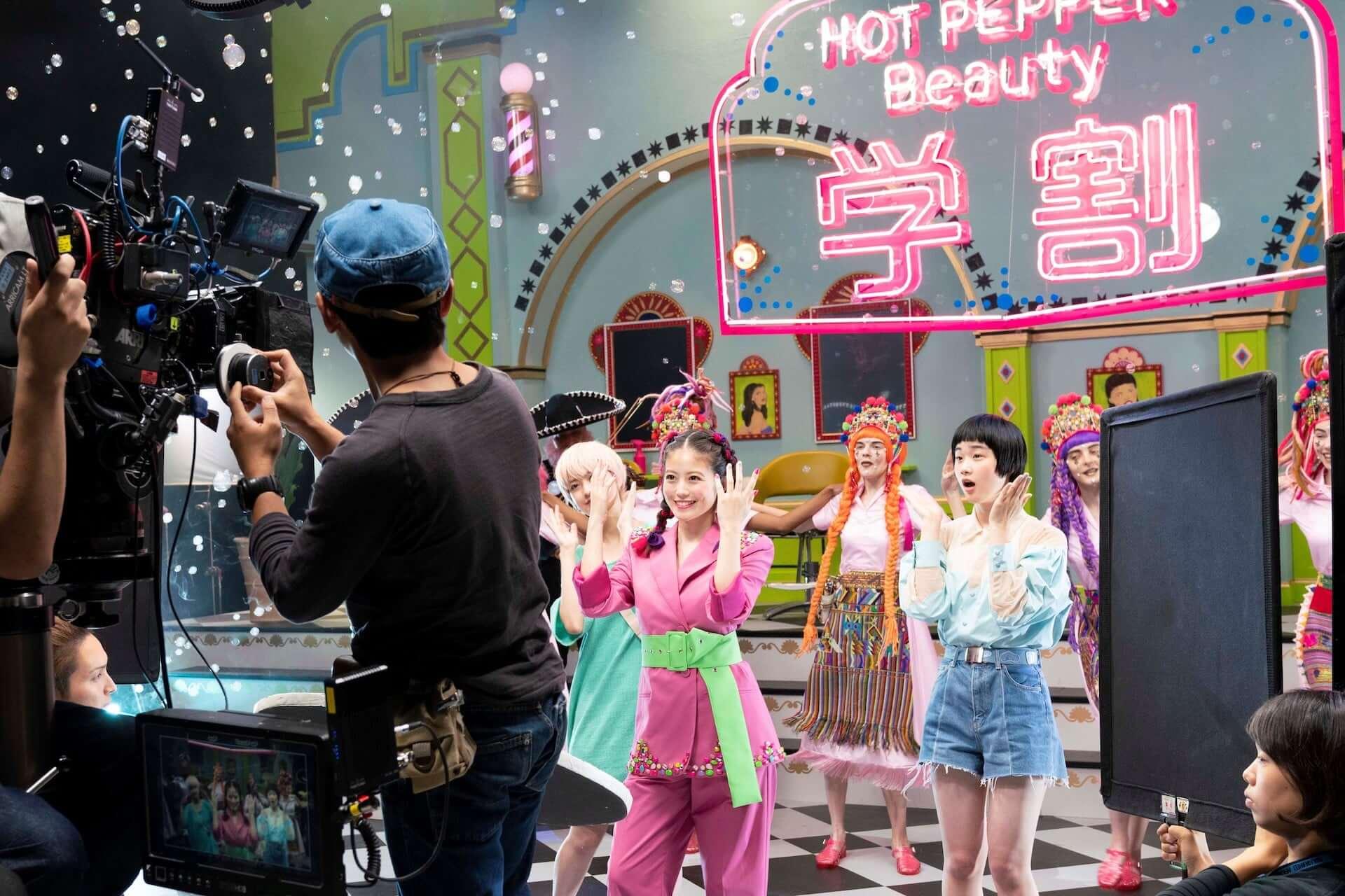 今田美桜がミュージカル風CMで不得意なダンスを披露!?メイキング&インタビュー映像も公開 life190726_imadamio_cm_11-1920x1280