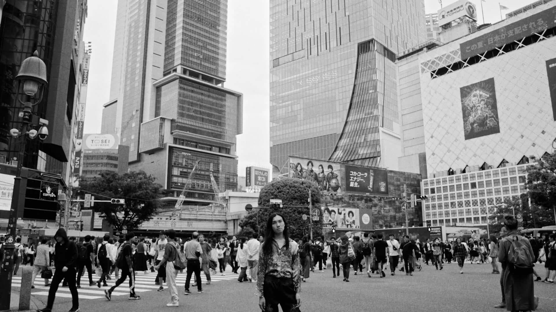Seiho、映像作家・山田智和6年ぶりのオリジナル作品に参加|10台のマルチモニターを使ったアート展示 artculture190801seiho_3-1920x1080